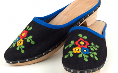 Azores Wooden Dutch Holland Shoes